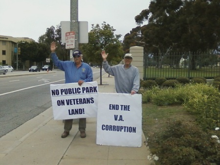 Robert Rosebrock and Terry Richards at Sunday Rally in May 2012 before Rosebrock